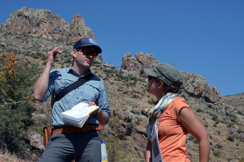 Derya and Pete, discussing the Ulukisla basin