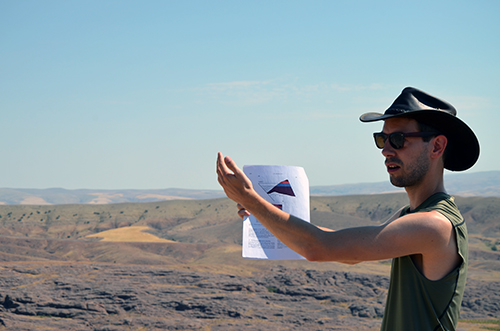 Eldert, explaining the Ayhan basin